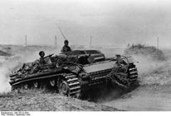 275px-Bundesarchiv_Bild_183-J21826,_Russland,_Kampf_um_Stalingrad,_Sturmgeschütz.jpg