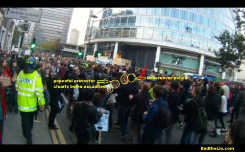 undercover-police-assault-protester-at-London-student-rally-November-9-2011.png