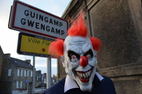 bretagne-les-clowns-effrayants-debarquent-ils_2124062_660x437.jpg