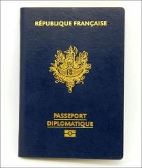 Les-titres-Passeport-diplomatique-Image-Fichier_large.jpg