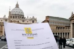 vatican,catholicisme,benoît xvi,tarcisio bertone,bernard lecomte
