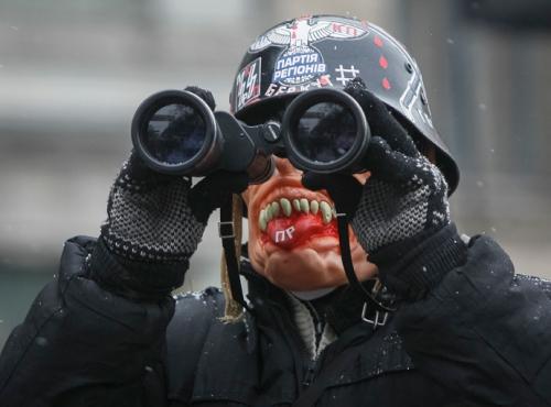 PIH-LM-libe-Maidan-fasciste-2014-01-24-FR-1.jpg