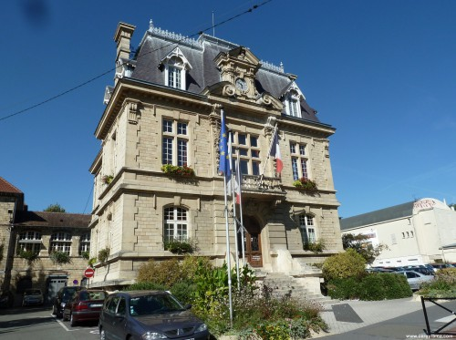 mairie_conflans[1].jpg