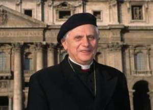 cardinal-ratzinger-beret.jpg