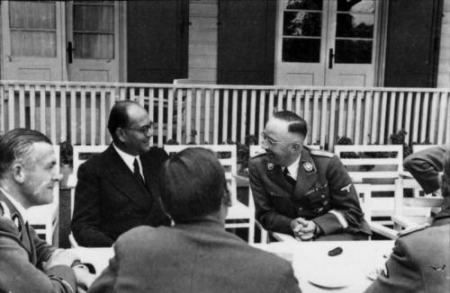 Bundesarchiv_Bild_101III-Alber-064-03A,_Subhas_Chandra_Bose_bei_Heinrich_Himmler.jpg