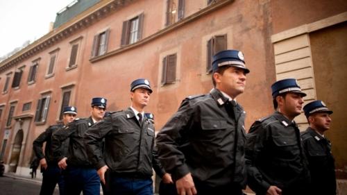 vatican-gendarmes.jpg
