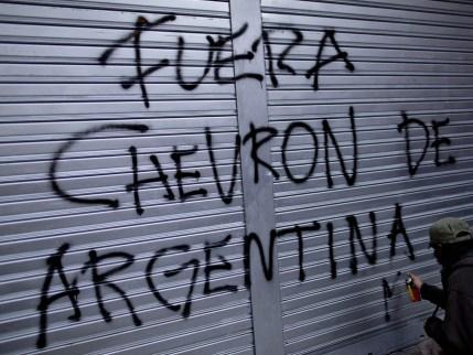 aptopix-argentina-oil-protest-jpeg-1280x960.jpg